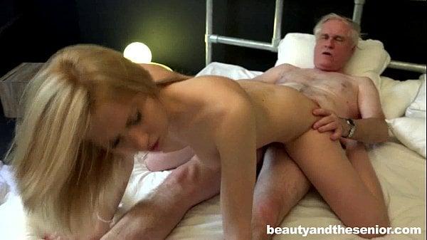 Incesto xxx filho loira danada faz sexo com pai coroa da rola grossa