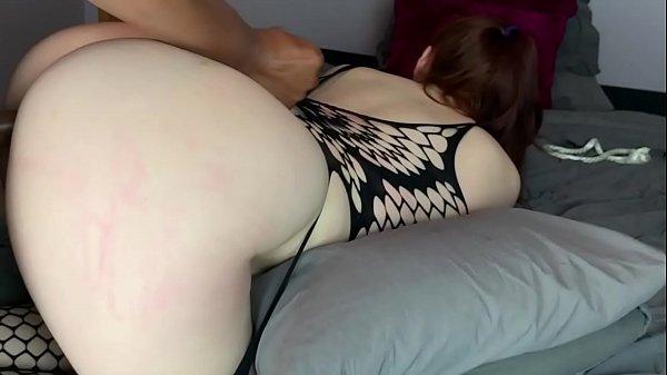 Pornô xvidios ruiva do rabo perfeito gozando no caralho de quatro