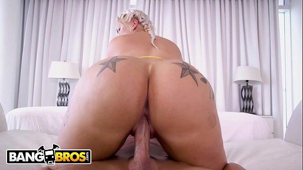 Xvidios pornô loira popozuda cavalgando no caralho grande do macho